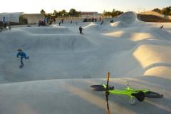 Skateranlage »Im Gefilde« München –hinten rechts die Over Vert Corner